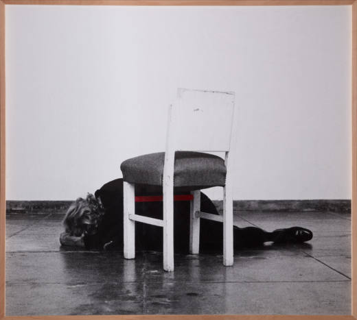 Dentro de mim, 2014. B/w photograph with red acrylic paint. 140 x 150 cm.