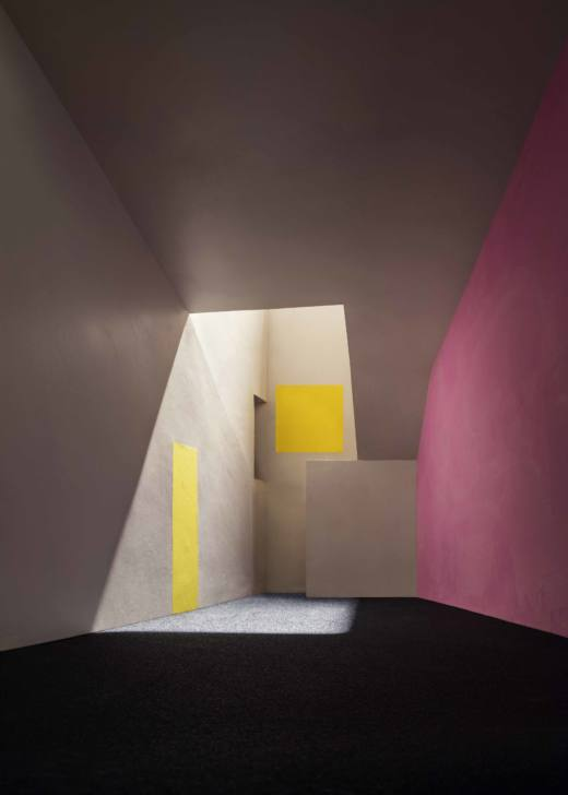 Vestibule, 2017. Archival pigment print. 157,5 x 112,7 cm
