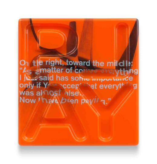 A.4.Play (Orange), 2016. Silkscreen on acrylglas thermoformed. 82 x 76 x 6 cm. Cortesía del artista y Galería Helga de Alvear, Madrid.