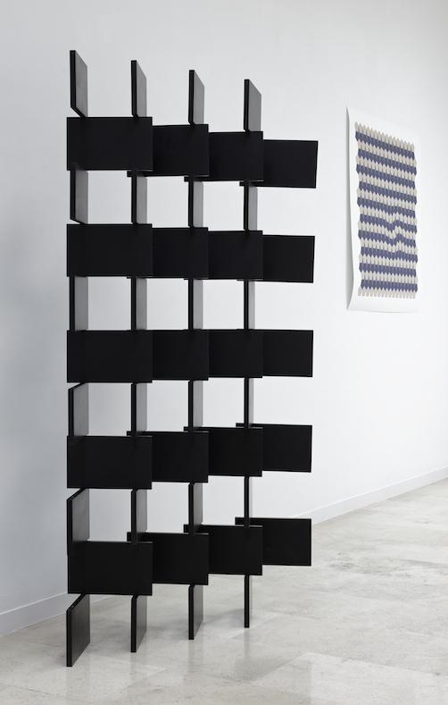 Black paravent 44, 2014. Cortesía del artista y Galería Helga de Alvear, Madrid. © Joaquín Cortés.